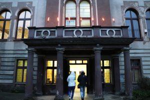 Nocne zwiedzanie pałacu Pücklera